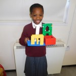 Rinne Dami a hainm as Lego.